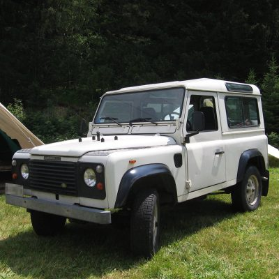 white land rover 90-06